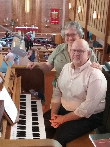 Organist Kevin Ellerbusch and wife Mary